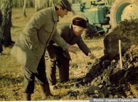 Фотография 1989 года.  Источник: http://www.vishime.ru/blogs/2011/04/04/pamyati-zhertv-politicheskih-repressij/